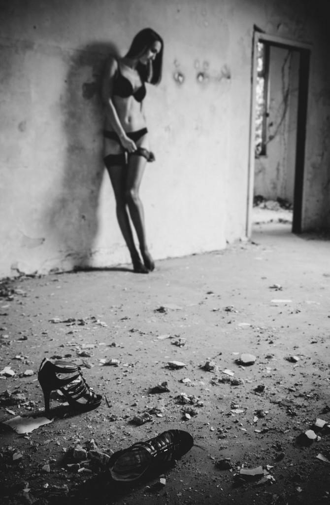 Zagubiona dziewczyna w pończochach